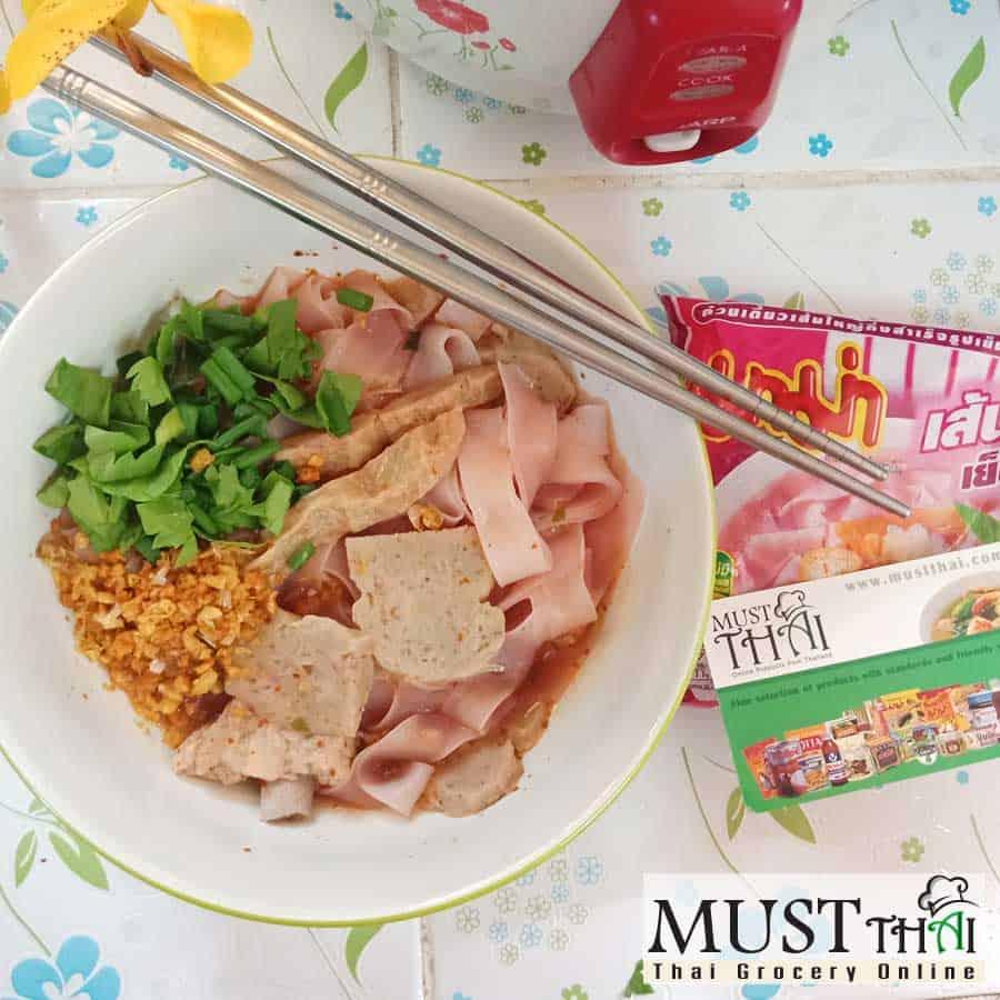MaMa Instant Flat Noodles Yentafo Flavor 50g