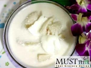 Banana in coconut milk and meat
