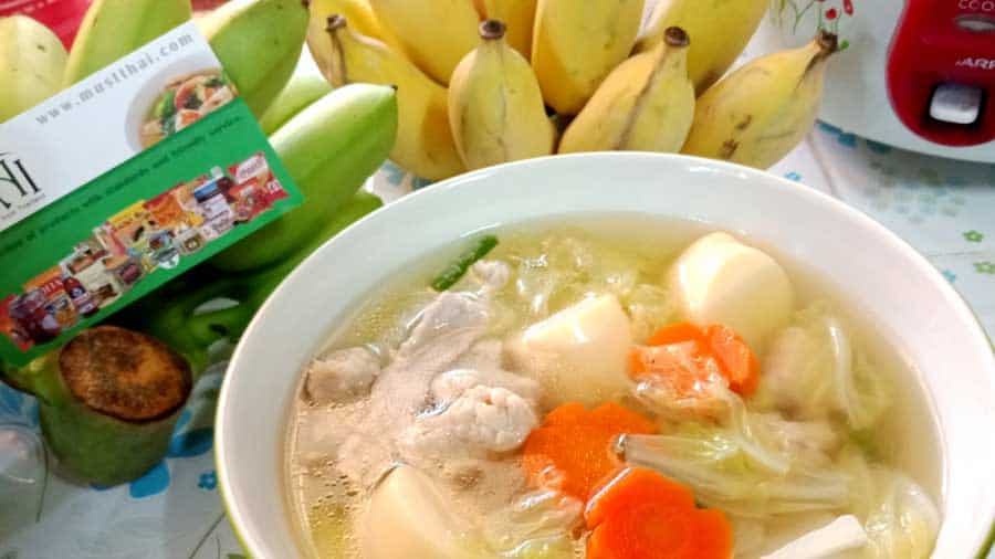 Chinese cabbage clear soup with tofu and pork