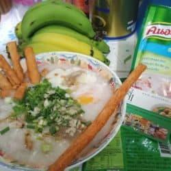 Knorr instant jasmine rice porridge with ChaoSua pork stick.