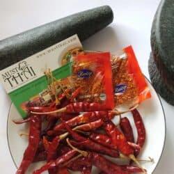 Raitip Ground Chili 1.3g pack of 100 sachets